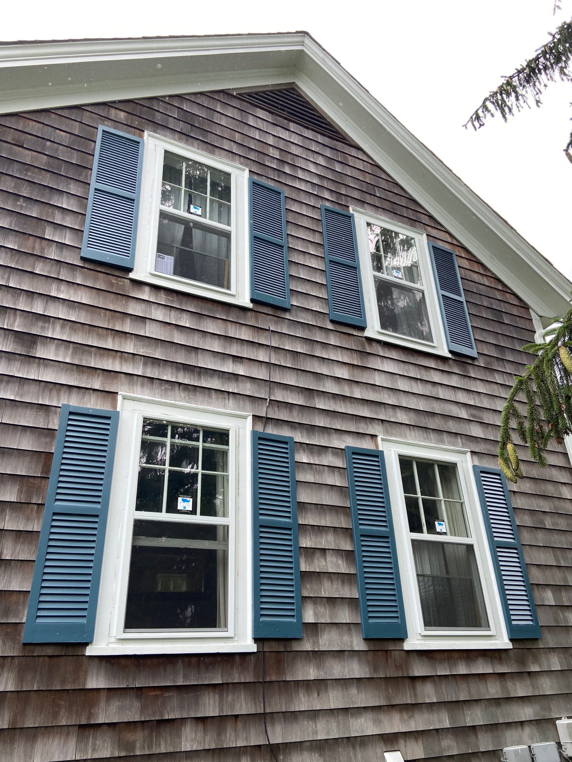 Prepare your home to sell with repainted shutters